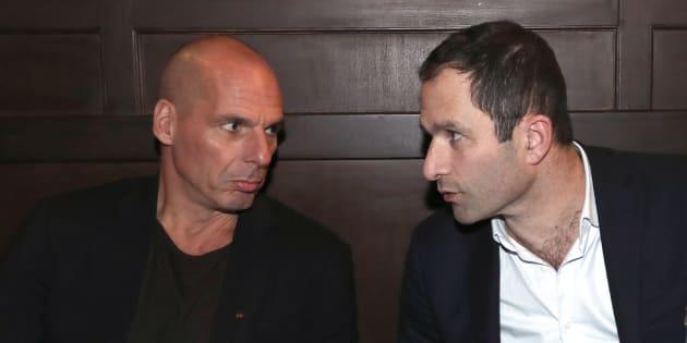 Benoît Hamon et Yanis Varoufakis lors d'une précédente rencontre, début 2018 à Paris.