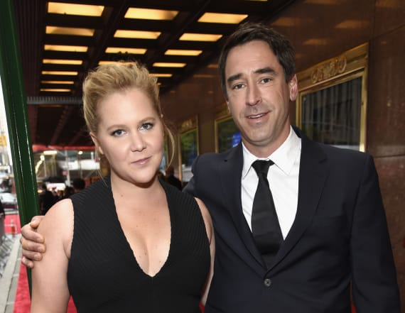 Amy Schumer announces pregnancy