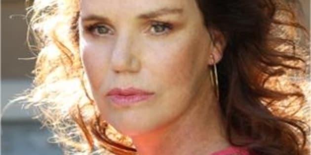 La série Louise sur TF1, dont l'héroïne est interprétée par Claire Nebout, montre avec humanité la vraie vie et les difficultés d'une transgenre.
