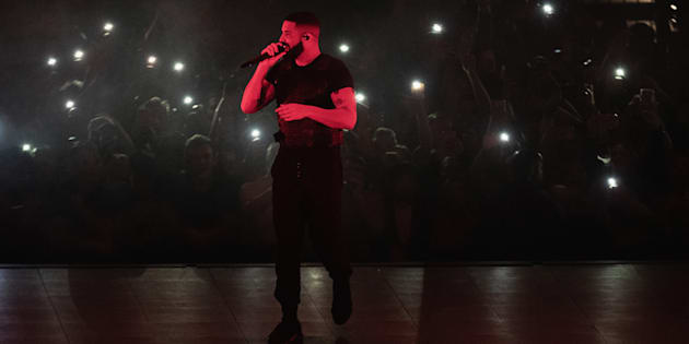 Drake performs on stage at the Tacoma Dome on November 1, 2018 in Tacoma, Washington.