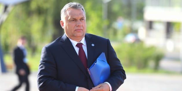 Orbán ha vinto, aiutare un migrante è reato