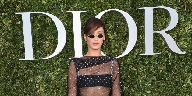 Bella Hadid au vernissage de l'exposition 'Christian Dior, couturier du rêve' , en célébration des 70 ans de la maison de couture, le 3 juin 2017 à Paris.