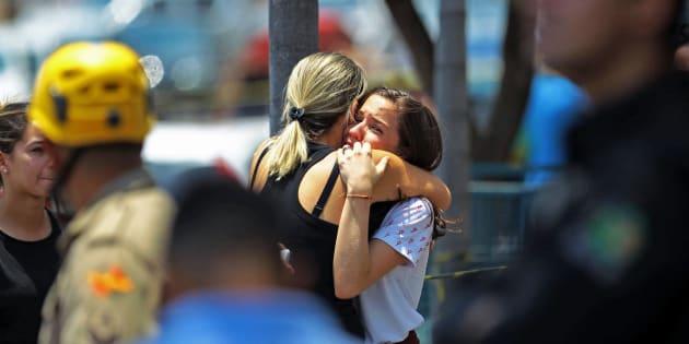Dois adolescentes de 13 anos foram vítimas de tiroteio em escola em Goiânia.