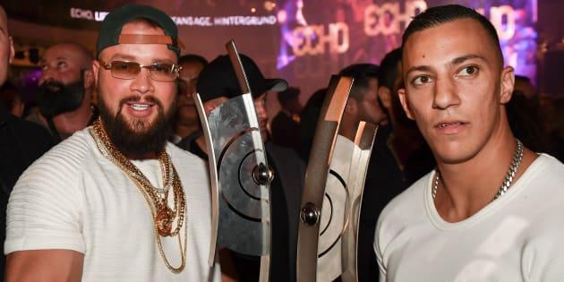 Le 12 avril 2018, les rappeurs allemands Kollegah et Farid Bang reçoivent le prix Echodes meilleurs artistes hip-hop de l'année.