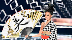 À Miss Univers, le costume 2 en 1 de Miss Japon a