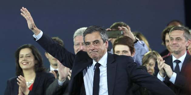 Francois Fillon lors de son meeting à Paris dimanche 9 avril.