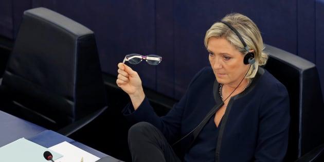 Marine Le Pen, au Parlement européen de Strasbourg au mois d'octobre 2016.  REUTERS/Vincent Kessler