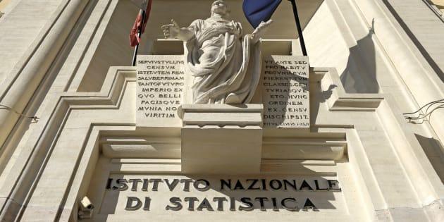 Lavoro, Istat, a giugno calano occupati (-0,2%) ed inattivi