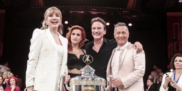 Cesare Bocci vince Ballando con le stelle 2018. Per Gessica Notaro il terzo posto