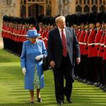 La reina Isabel II pudo haber lanzado un sutil mensaje a Trump durante su visita al Reino