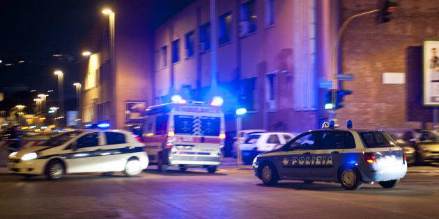 Roma, branco massacra di botte due migranti in pieno centro