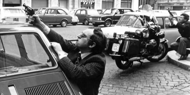 29/03/1979 Roma, intervento della polizia in seguito all' attacco delle Brigate Rosse alla sede della Democrazia Cristiana di piazza Nicosia