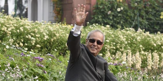 President of India Pranab Mukherjee visits the Mughal Gardens.