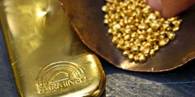 Fairmined gold, como se le llama en inglés al oro sustentable. Aquí en un taller en Ginebra de la casa Chopard. Mineros de La Llanada, en Colombia, extraen el oro de manera ética, mismo que se utiliza para fabricar la Palma de Oro del Festival de Cannes.  (Foto: FABRICE COFFRINI/AFP/Getty Images)