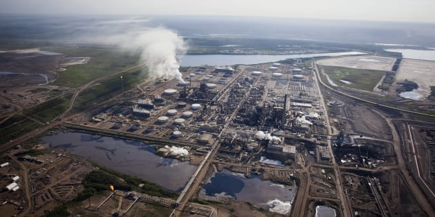 The Syncrude Canada Ltd. oilsands upgrading plant north of Fort McMurray, Alta., Thurs. June 4, 2015. The decision by Europe's largest bank, HSBC, to halt funding for new projects in the oilsands has some wondering if other financial institutions, including U.S. banks and pension funds, will eventually follow suit.