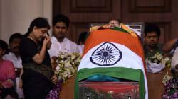 Why The Presence of Sasikala's Husband Natarajan At Jayalalithaa's Funeral Raised