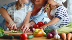 La corretta alimentazione dei bambini? Passa dalle loro mani (e con le loro mani si