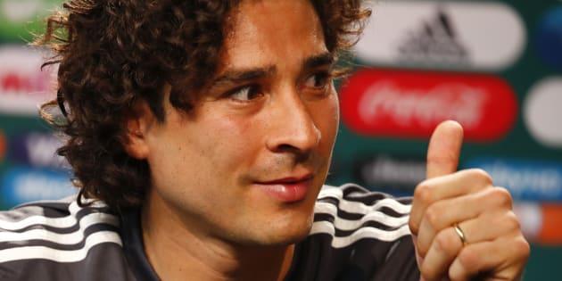 El portero mexicano Guillermo Ochoa es, hasta ahora, el portero con la mayor cantidad de atajadas en el Mundial. REUTERS/Axel Schmidt