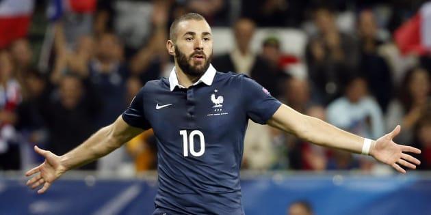 Karim Benzema, ici lors de son dernier match en bleu en 2015, explique pourquoi il ne chantait pas la Marseillaise