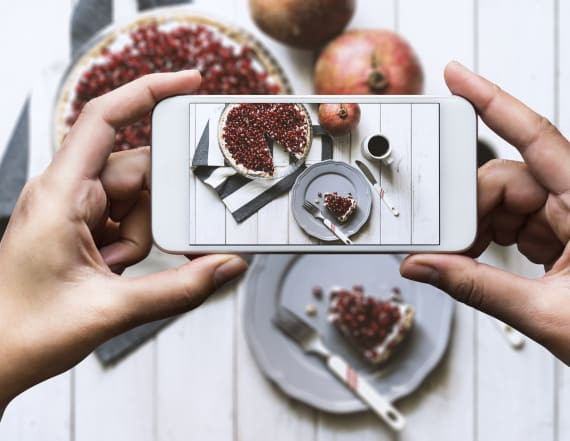 Turn your food pictures into recipes with AI