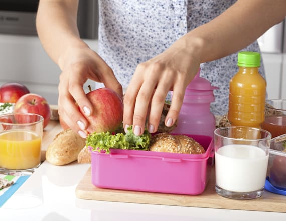 15 easy snacks and drinks to pack for school lunches