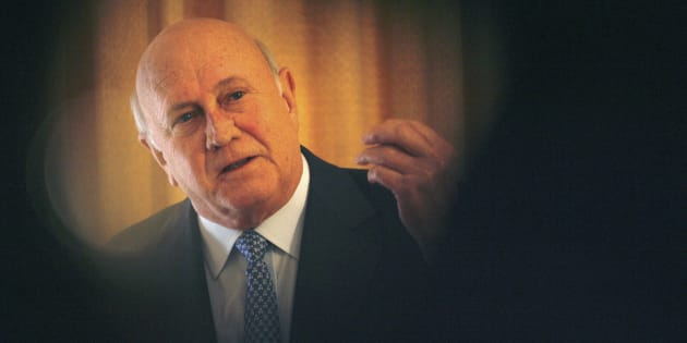 Former South African President FW de Klerk addresses a news conference in Cape Town, July 26, 2007. De Klerk denied that he had ever condoned apartheid era murders or other gross violations of human rights, following the announcement that his former cabinet minister Adriaan Vlok would be prosecuted for a 1989 attempt on the life of a prominent anti-Apartheid activist. REUTERS/Mike Hutchings (SOUTH AFRICA)