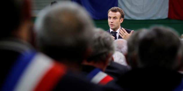 Emmanuel Macron est revenu sur les critiques sur ses petites phrases ce 15 janvier Grand Bourgtheroulde, regrettant d'avoir été caricaturé.