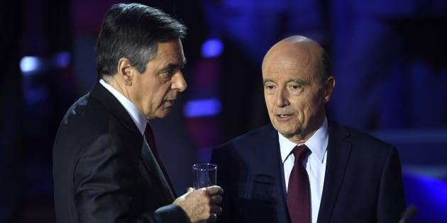 Alain Juppé et François Fillon, les deux finalistes de la primaire de la droite et du centre, lors du débat du 3 novembre 2016.  REUTERS/Eric Feferberg/Pool