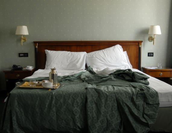 1,600 motel guests secretly live-streamed online