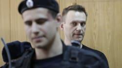 Altra manifestazione, altre manette: Navalny di nuovo arrestato. Oltre 900 fermi a San Pietroburgo, 750 a