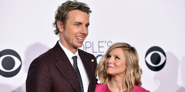 Dax Shepard, left, and Kristen Bell arrive at the People's Choice Awards at the Nokia Theatre on Wednesday, Jan. 7, 2015, in Los Angeles. (Photo by John Shearer/Invision/AP)
