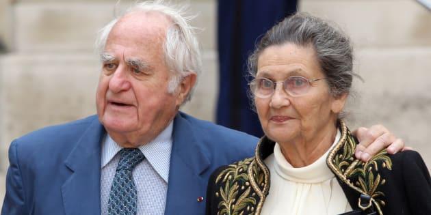Simone et Antoine Veil quittant l'Institut de France le 16 juin 2011 à Paris.