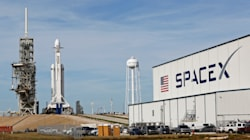 SpaceX va lancer sa Falcon Heavy,