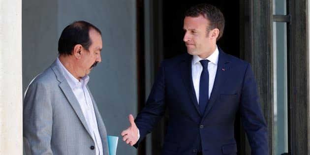 Emmanuel Macron, ici avec le secrétaire général de la CGT, doit éviter un scénario noir.