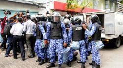Si avvita la crisi delle Maldive. Paesi sconsigliano i viaggi per