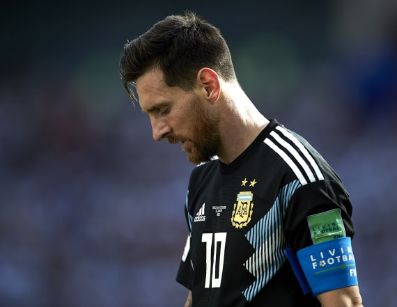 Mother: Messi 'suffers and cries' in pursuit of Cup