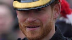 La barbe du prince Harry durant ce défilé militaire fait parler
