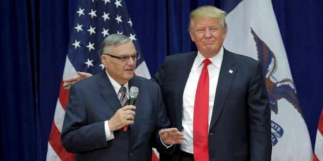 Donald Trump et Joe Arpaio à Marshalltown dans l'Iowa le 26 janvier 2016.