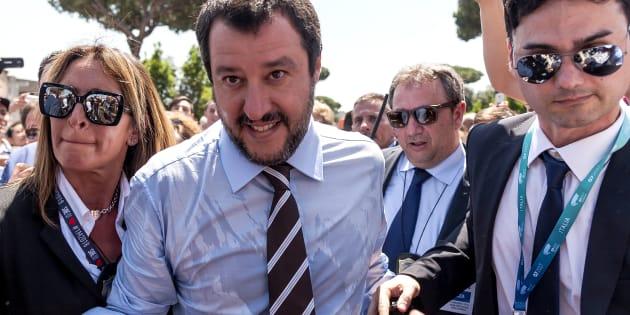 """""""Clandestins, préparez-vous à faire les valises"""": le nouveau ministre de l'Intérieur italien donne le ton"""