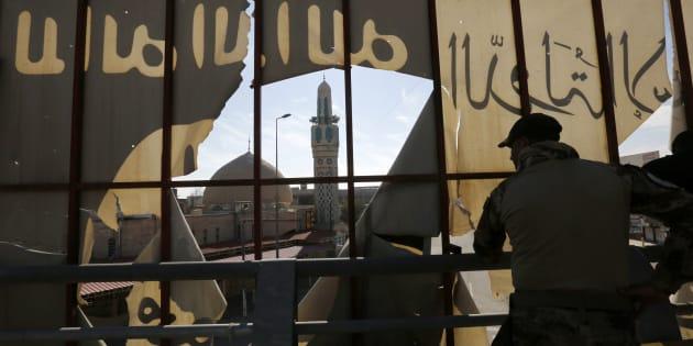 Des forces spéciales irakiennes le 18 janvier à Mossoul, bastion de Daech peu à peu repris par l'armée