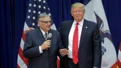 Trump gracie le très controversé shérif Joe