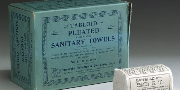 Disposable sanitary towels were introduced in the 1890s as an alternative to washable types.