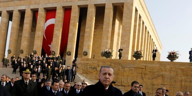 Le Président Tayyip Erdogan assiste à la cérémonie en l'honneur du 79ème anniversaire de la mort d'Atatürk, au mausolée Mustafa Kemal Atatürk, à Ankara, Turquie, le 10 novembre 2017.