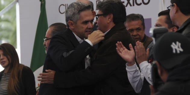 Ministros analizan posible destitución de Ricardo Monreal