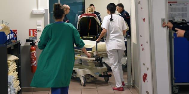 Aux urgences de l'hôpital (CHRU) Trousseau à Tours le 12 janvier 2017, durant l'épidémie de grippe.