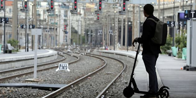Grève SNCF: seulement 20% des trains devraient circuler dimanche.