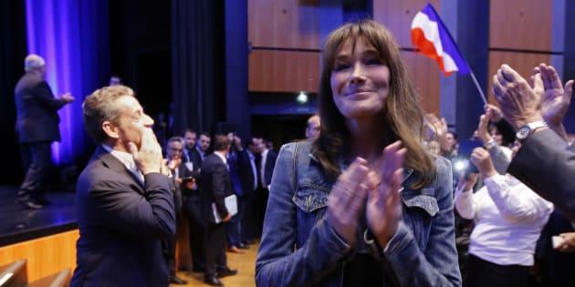 Carla Bruni lors d'un meeting de son époux Nicolas Sarkozy.
