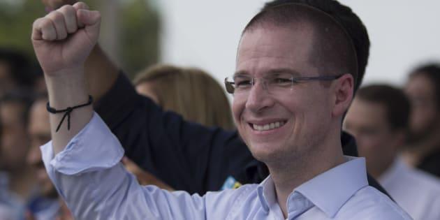 Ricardo Anaya, candidato a la presidencia por la coalición Por México al Frente, durante un evento de campaña en Veracruz, el 29 de abril de 2018. . A
