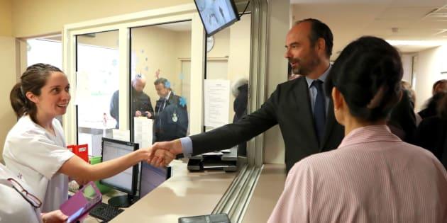Édouard Philippe en visite au Centre hospitalier Simone Veil d'Eaubonne, le 13 février
