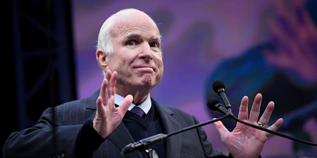 John McCain, atteint d'un cancer du cerveau, refuse que Trump assiste à son enterrement